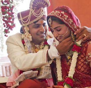 India: Mujer recibe un balazo en su matrimonio... y decide continuar con la ceremonia