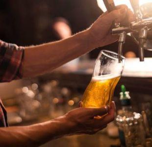 Salvan la vida de hombre en coma etílico con 15 latas de cerveza