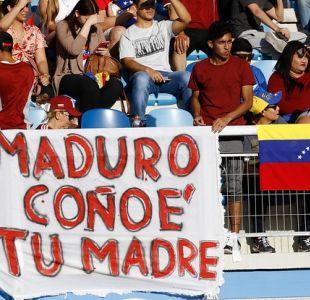 [VIDEO] Y va a caer y va a caer: Equipo e hinchada venezolana se manifiestan contra Nicolás Maduro