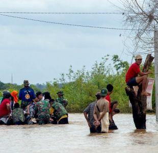 Inundaciones en Indonesia dejan al menos 59 muertos