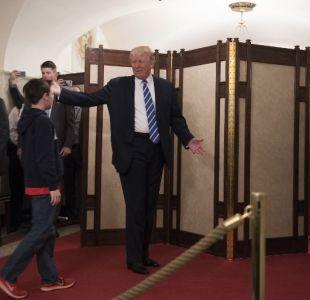 Medio dice que Trump disfruta liderar visitas a la Casa Blanca donde aprovecha de criticar a Obama