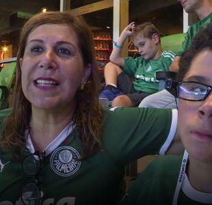 [VIDEO] La emotiva historia de una madre que relata partidos de fútbol para su hijo ciego