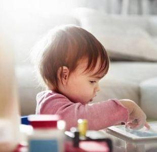 Mal genio e irritabilidad: Los riesgos de exponer a los niños a pantallas de celular y televisión