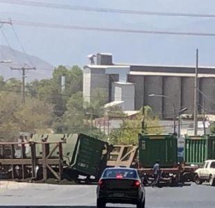 [VIDEO] Tren con concentrado de cobre se descarrila en San Felipe