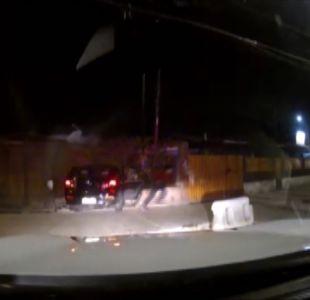 [VIDEO] Menores chocan casa en persecución