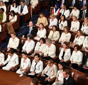 [FOTOS] ¿Por qué las senadoras demócratas fueron de blanco al discurso del Estado de la Unión?
