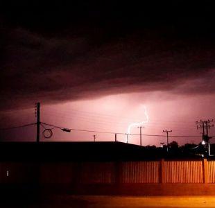 [VIDEOS] Habitantes de San Pedro de Atacama registran tormenta eléctrica