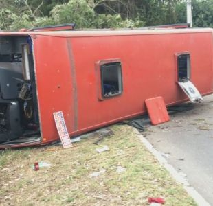 Reñaca: Volcamiento de bus deja varios heridos