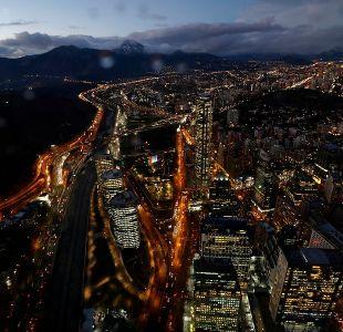 Región Metropolitana: Residentes alertan de tercera noche consecutiva de estruendos en la ciudad