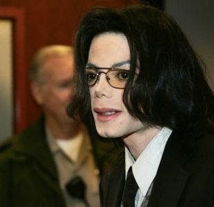 [VIDEOS] Así fue la increíble reacción de Michael Jackson tras ser interrogado por abuso de niños
