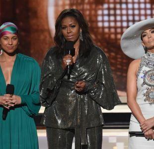 Michelle Obama aparece en los Grammy y envía mensaje por empoderamiento de las mujeres