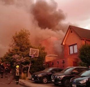 [VIDEO] Incendio destruye casa de María Laura Donoso: Había salido recién