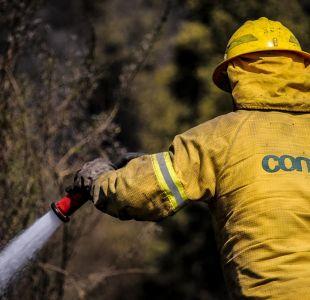 Onemi registra 34 incendios forestales activos en el centro-sur del país