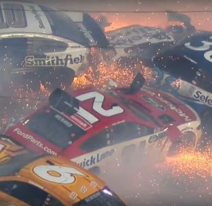 [VIDEO] 21 vehículos colisionaron en las 500 millas de Daytona