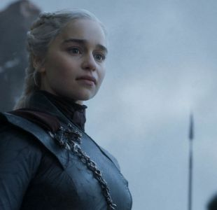 "George R.R. Martin no descarta escribir un final diferente al de la serie ""Game of Thrones"""