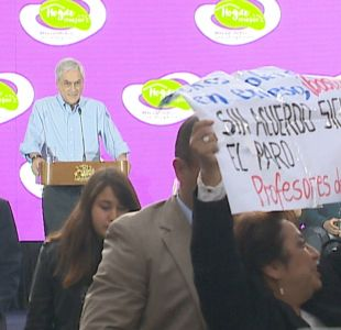 [VIDEO] Profesores interrumpen acto del Presidente Piñera