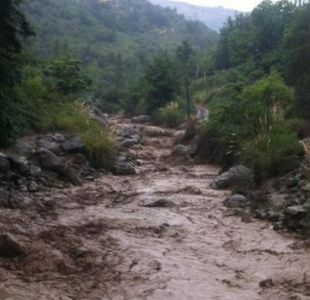 Balance tras aluviones en zona precordillenara de Región Metropolitana: 4 muertos y 3 desaparecidos