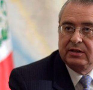 Tres agentes peruanos fueron condecorados en su Congreso por victoria contra Chile en La Haya