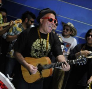 [VIDEO] La sorpresa que se llevó el vocalista de Chico Trujillo en una pizzería en Italia