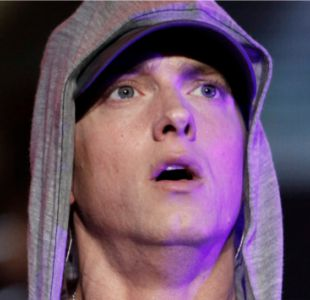 Eminem revive su exitosa historia en el cierre de la primera jornada de Lollapalooza
