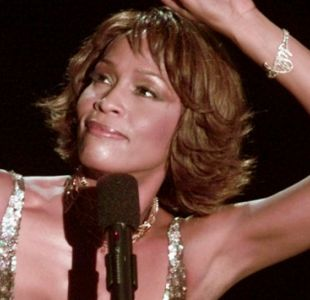 [VIDEO] Documental de Whitney Houston revela que fue agredida sexualmente cuando niña