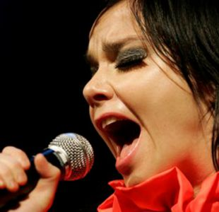 Björk remece internet con nuevo videoclip en 360 grados