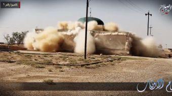 [VIDEO] Estado Islámico libera video que muestra cómo destruyen santuarios en Irak