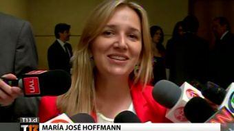 [T13] Diputada Hoffmann responde a directora de colegio que la desmintió