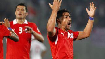 Tras un año y medio: David Pizarro sería convocado por Jorge Sampaoli