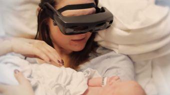 [VIDEO] Madre con ceguera parcial logra ver a su hijo recién nacido gracias a la tecnología