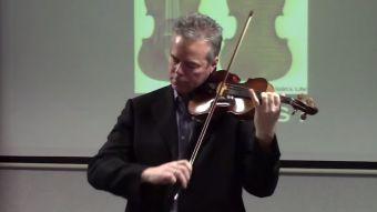 [VIDEO] La inusual muestra de agradecimiento de un concertista de violín al FBI