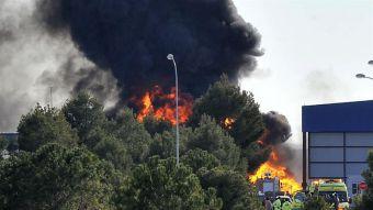 [VIDEO] Los minutos después de la caída de un F-16 en Albacete, España