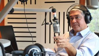 Iván Valenzuela gana premio como mejor periodista televisivo del año 2017