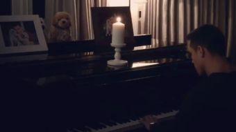[VIDEO] Alexis Sánchez sorprende interpretando la canción de Titanic en piano