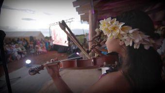 La historia de la escuela sustentable de artes en Isla de Pascua