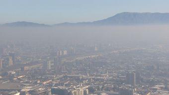 Contaminación: Expertos cuestionan restricción y proponen prohibir definitivamente leña en Santiago
