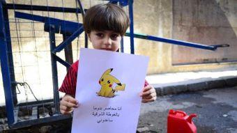 Niños sirios utilizan imágenes de Pokémon Go para llamar la atención