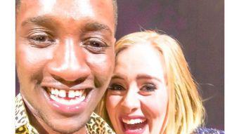 Adele besó a fanático por error en pleno concierto