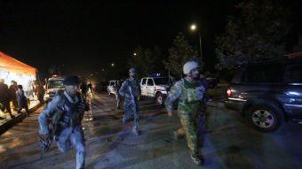 Siete estudiantes y dos policias mueren en ataque a universidad de EEUU en Kabul