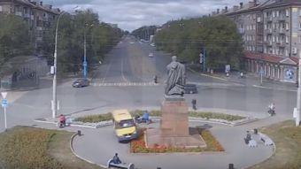 Furgón choca a gente en Rusia