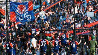 [VIDEO] Así era Chile en 2001: A 15 años del último triunfo de la U en el Monumental