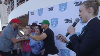 [VIDEO] Integrante de New Kids On The Block logra batir récord de más selfies en 3 minutos