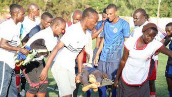 [VIDEO] Seleccionado juvenil anota un gol y luego fallece en plena cancha