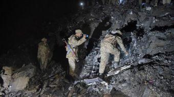 Confirman a 48 muertos tras caída de avión pakistaní