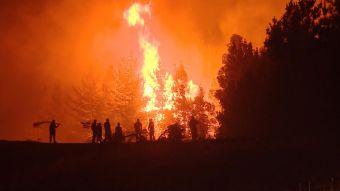 [VIDEO] Incendios forestales: evacúan a 4 mil personas por riesgo