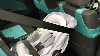 Nueva normativa para el traslado de niños en automóviles comenzará a regir en marzo