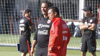 [VIDEO] Juan Antonio Pizzi se deja encantar por el buen momento de Esteban Paredes