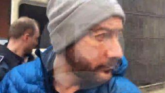 Rafael Garay llega a la Corte de Apelaciones de Brasov para la resolución de su extradición