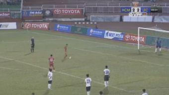[VIDEO] Arquero suspendido dos años por dejarse anotar tres goles en protesta por error arbitral