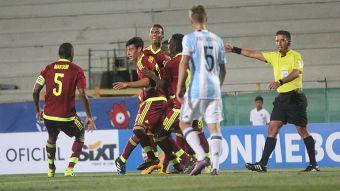 [VIDEO] El gol de Venezuela en el triunfo sobre Argentina por el Grupo B del Sudamericano Sub 17